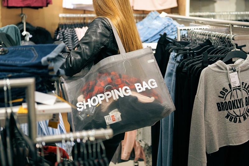 Photo showing a shopper to illustrate story on May 2021 employment numbers